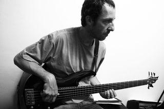 Clube do Porão - Aulas Música, Violão, Guitarra, Baixo Em Domicílio. by GILBERTO CERANTOLA JUNIOR