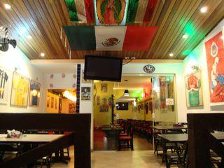Restaurante Mexicaníssimo by Israel Andonaegui