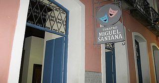 Teatro Miguel Santana by Gabriela Marotta