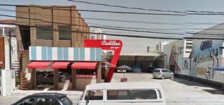 Cadillac Burger by Vinícius De Oliveira Lima