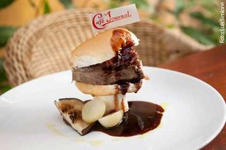 Café Journal Restaurante by Karina Brandao
