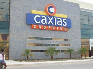 Caxias Shopping by Jaqueline