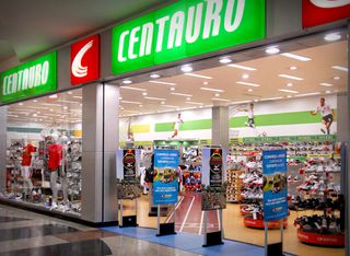 Centauro - Shopping Mueller by Vitor Cruz