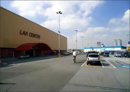 422223828c shopping-lar-center.jpg