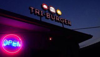 Tri Burger by Thalita Rodrigues