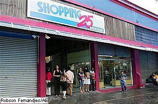 Shopping 25 de Março by Matheus Calazans
