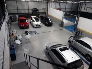 9 CAR Funilaria e Pintura by 9 Car Funilaria E Pintura Ltda