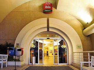 Ibis São Paulo Paulista by Luciane Lima