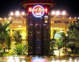 Hard Rock Café by Ana Victorazzi