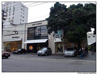 67d83c24dd000 Salvatore Ferragamo - Cerqueira Cesar, São Paulo, SP - Apontador