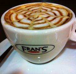 Frans Café Rouxinol - Indianópolis. by Frans Rouxinol