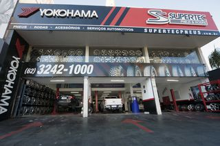 Supertec Pneus Rodas Yokohama by Lincon Laurensky