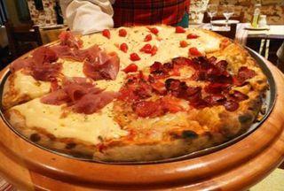 Cantina e Pizzaria Caiubi by Nicole Patrício
