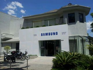 Samsung Service Center by Thalita Rodrigues