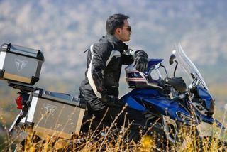 Moto Aventura by Mariano Castañeda