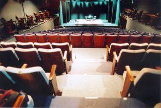 Teatro Folha by Apontador