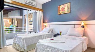 Hotel Porto Nápolis by Ugor Feio