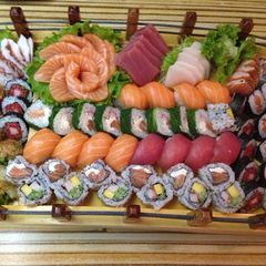 King Sushi by Thomas Cavalcanti Coelho