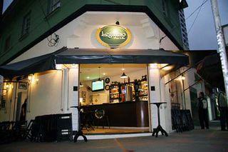 Legítimo Bar by Vivian Gon