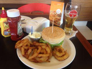 Boog Burger by Tatiane Cristina Neves Siqueira