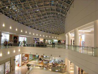 Shopping Palladium by Thomas Cavalcanti Coelho