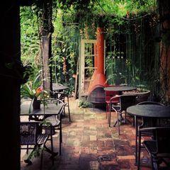 Restaurante Robin Des Bois by Camila Natalo
