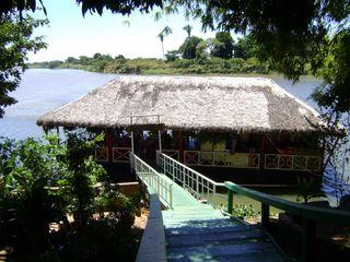 Restaurante Flutuante - Poty Velho by Flávio Ramos