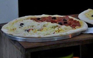 Pizzaria Vitória by Thomas Cavalcanti Coelho