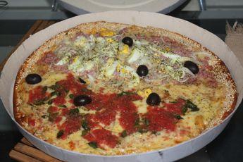 Foto de  Manolos Pizzaria Ltda Me enviada por Paula Donegan em