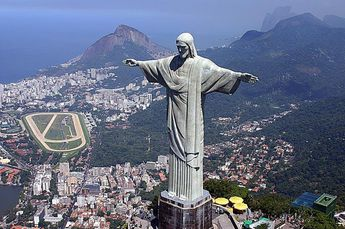 Foto de  Cristo Redentor - Corcovado enviada por O_MORCEGO,_ave-mamífero... em 24/06/2012