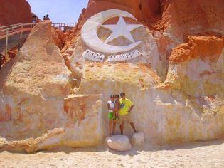 Foto de  Praia de Canoa Quebrada enviada por gas sao jose em 25/02/2012