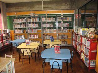 Foto de  Biblioteca Publica de Cascavel enviada por Enio Jorge Job em 20/03/2012