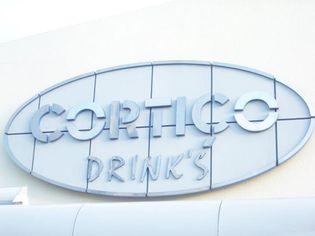 Foto de  Cortico Drinks enviada por Garçom Holanda em