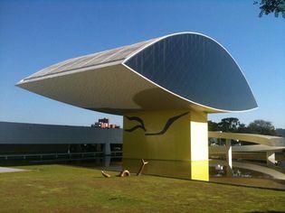 Foto de  Museu Oscar Niemeyer enviada por Christo em