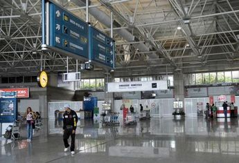 Foto de  H. Stern- Aeroporto Internacional do Rio de Janeiro Antonio Carlos Job enviada por Marcelo Bogobil em 28/06/2013