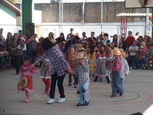 Foto de  Escola Municipal Colombo enviada por Sandra Mara Correa em