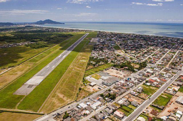 Aeroporto Em Sc : Aeroporto internacional de navegantes ministro victor