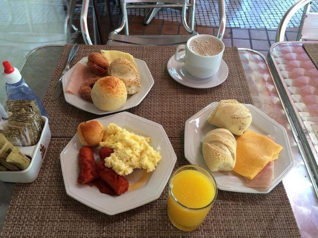 Café da manhã diversificado