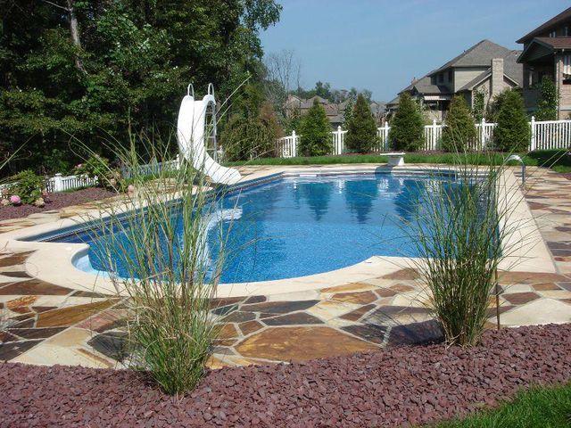 Paraiso das guas piscinas spas jardim e lazer for Plantas para poner cerca de la piscina