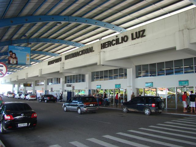 Aeroporto Em Sc : Aeroporto internacional de florianópolis aeroportos