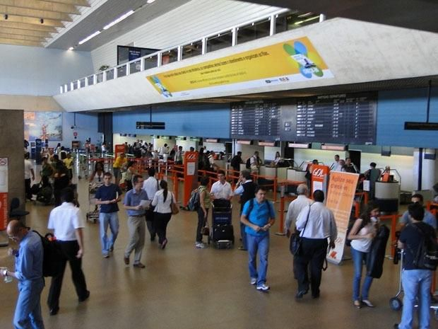 Aeroporto Tancredo Neves : Aeroporto internacional tancredo neves confins centro